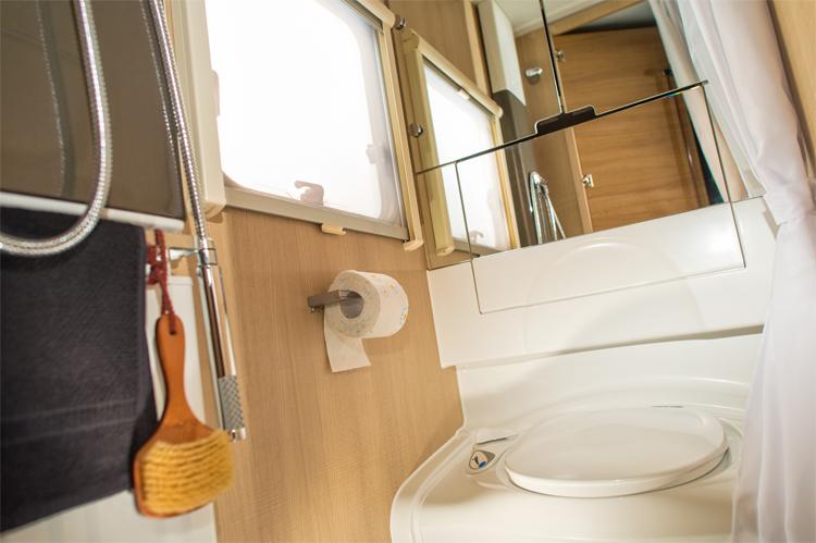 111_ADORA_522_UP_bathroom_detail_4BC6259