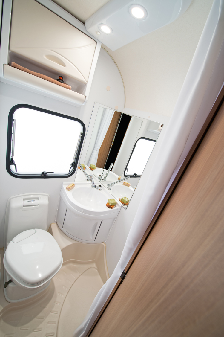 507_AVIVA_512_PT_bathroom_4BC_6146